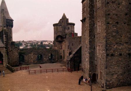 Le château de Vitré. Vue intérieure