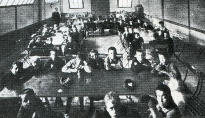 L'école de garde de la Fraternité de Nantes (Présence, 1985, p.51)