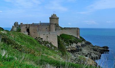 "La forteresse de la Roche-Gouyon, dite ""Fort-la-Latte"""