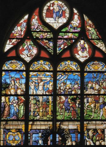 """Le vitrail de la Passion à Montrelais. Le thème représenté est l'attestation de la divinité du Christ. Parmi les """"attestants"""", le principaux souverains de l'époque, dont François Ier (verrières du côté droit). Au niveau inférieur droit, les donateurs. N'en subsistent que les visages, à la suite de destructions contemporaines de la partie inférieures de l'oeuvre. Les trois têtes, dans le coin droit, sont celles des enfants de François de Maure."""