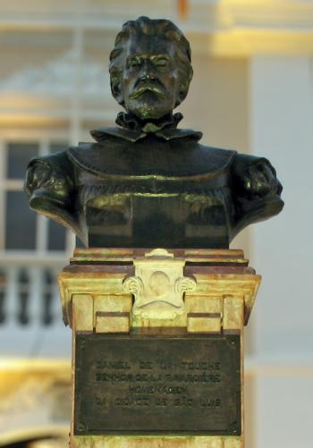 Buste idéalisé de Daniel de La Touche de La Ravardière, devant le Palais du gouverneur de Sao-Luis (Brésil)